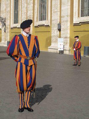 Rome-les-gardes-Suisses.jpg