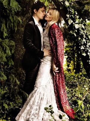 kate moss wedding vogue 01 300x400