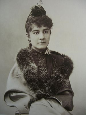 Marie-de-Heredia--1875-1963--par-Nadar--photo-de-1889-.jpg
