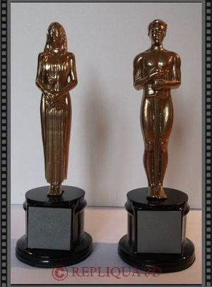 Figurines personnalisees couple Oscar Brando - Repliqua3D: sculpteur portraitiste