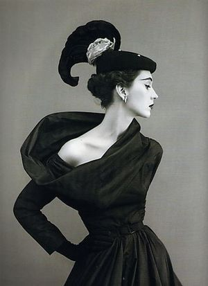 Dovima-in-Balenciaga-by-Richard-Avedon.jpg