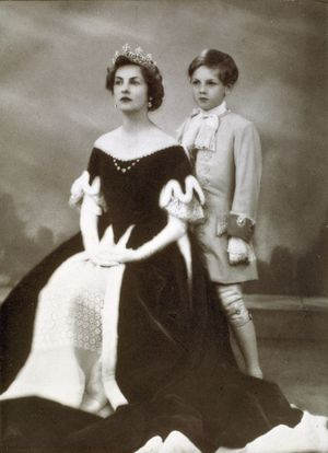 Deborah--Duchess-of-Devonshire-and-her-son-The-Marquess-of-.jpg