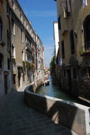 Ruelle 8 - Venise - sept 2011