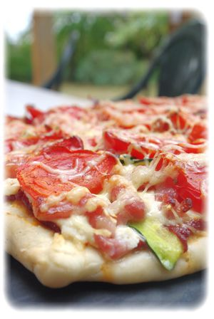 Pizza-lardons-courgettes.jpg