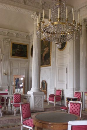 Versailles-Grand-Trianon-salon.jpg