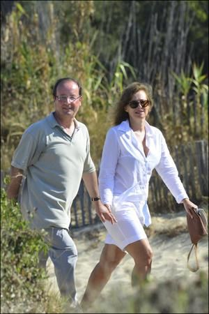 Photo-vacances-francois-hollande-valerie-trierweil-copie-1.jpg