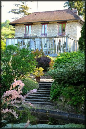 La-Pluie-des-Roses---Giverny-2b.jpg