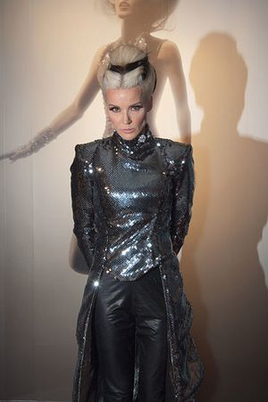 420px-Daphne_Guinness_at_FIT.jpg