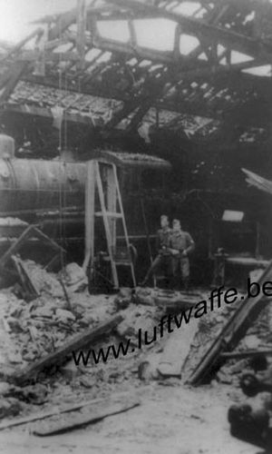 Occupation juin 1940 gare loco soldats