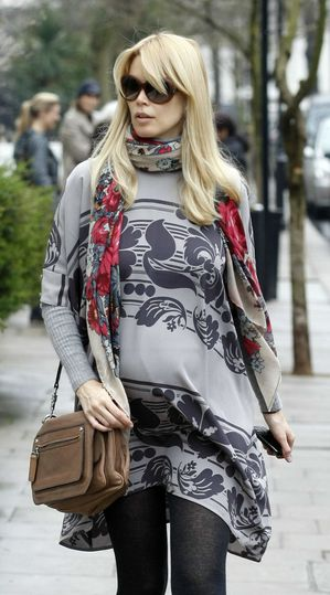 Claudia_Schiffer_after_dropping_her_children0462.jpg