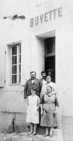 JoG.-Coll-Buvette-1934.jpg