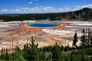 MONTANA Grand Prismatic Spring and Midway Geyser Basin from