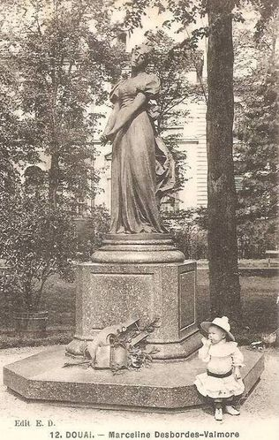 Douai-statue.jpg