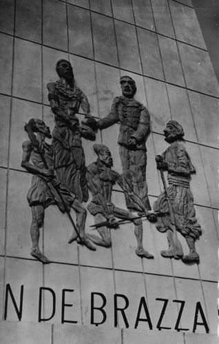 brazza-bas-relief-phare-barroux