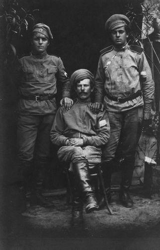 3-soldats-russes-recto-.jpg