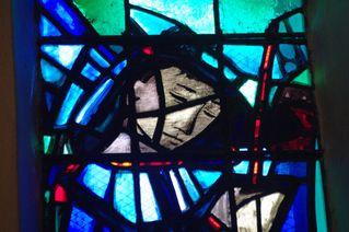 IMGP3228-Eglise-Saint-Hugues-Arcabas-vitrail.jpg