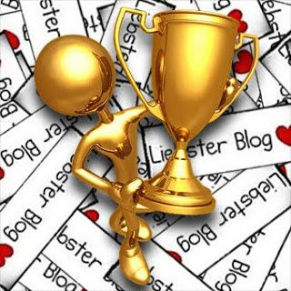 http://img.over-blog.com/320x320/1/14/38/18/guedelon/liebster-blog-award.jpg