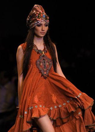 Virtues-by-Ashish--Viral---Vikrant-Spring-Summer-2011.jpg