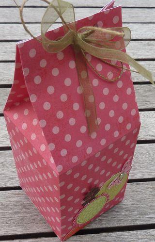 boite-a-lait-rose-3-juin-2011.JPG