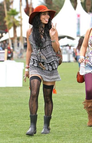 vanessa-hudgens-in-prints-and-a-cute-hat-at-coachella-2012.jpg