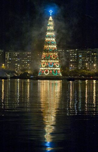 plus-grand-sapin-de-noel-rio.jpg