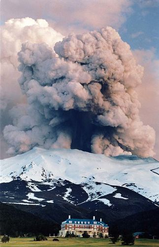 Eruption-Tongariro-Jessica-Lewis.jpg