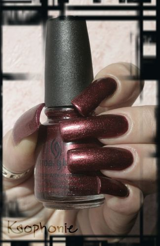 riveter-rouge-china-glaze-001