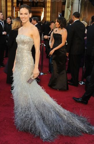 8-hilary-swank-2011-oscars-dress