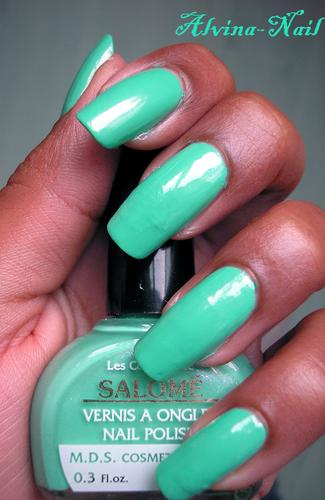 Salome-turquoise-Alvina-Nail.png
