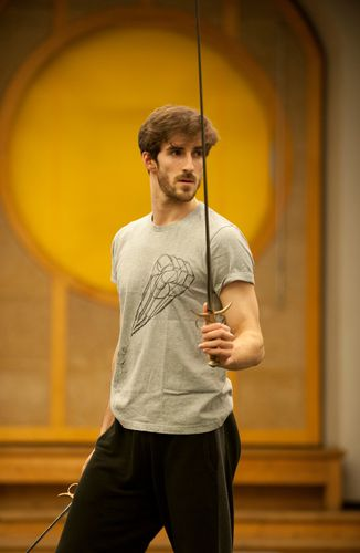 Vincent Chaillet répétant Tybalt/ Photo Julien Benhamou