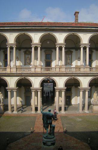 Milan-pinacotheque-de-Brera-1.jpg