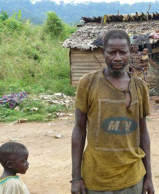 pygmées-chef-bihoua-lekoumou