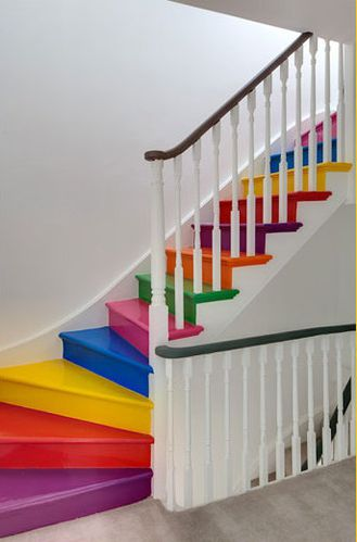 Planete-Deco-rainbow-stairs