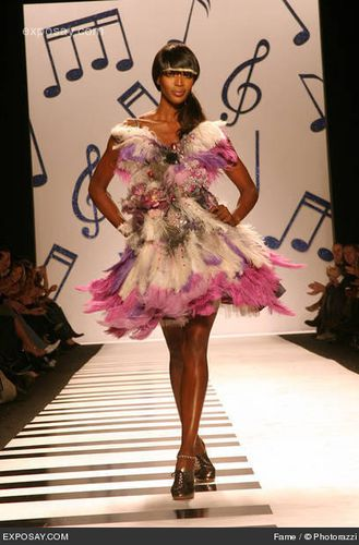 naomi-campbell-olympus-fashion-week-fall-2006-heatherette-r