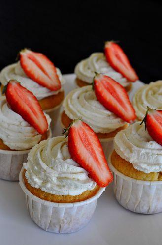 Cupcakes-fraise-vanille-2.jpg