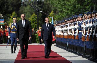 Francois-Hollande-en-Azerbaidjan-en-cie-de-Ilham-Aliyev-p.jpg