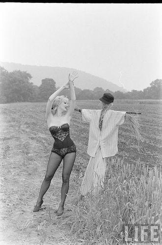 Summer-Theatre---Nina-Leen---1961.jpg