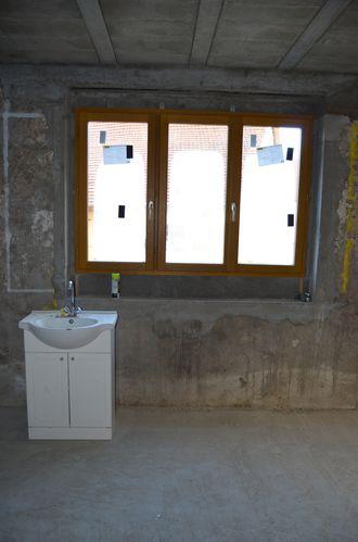 installation des fen tres et portes du rez de chauss e une grange en haute savoie. Black Bedroom Furniture Sets. Home Design Ideas