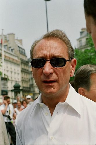 509px-Bertrand Delanoë at Gay Pride 2005