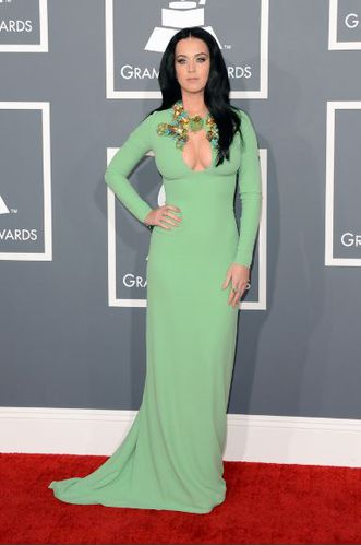 grammy-awards-2013-red-carpet-caty-perry-gucci.JPG