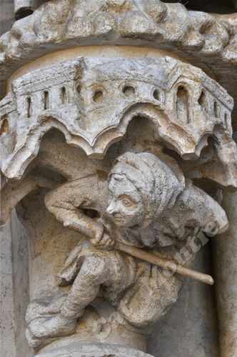 amiens-support-statues 1479