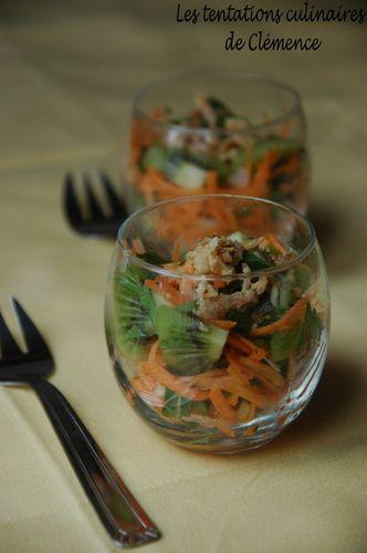 verrine-de-carottes--kiwi-oignons-frits.jpg