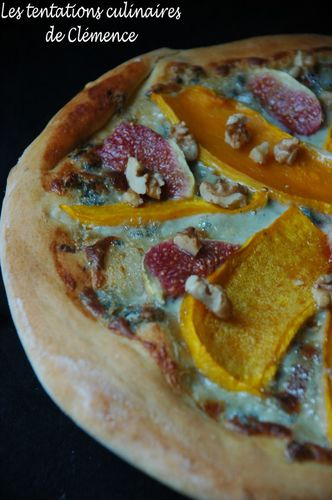 pizza-fourme-courge-et-figue-et-noi.jpg