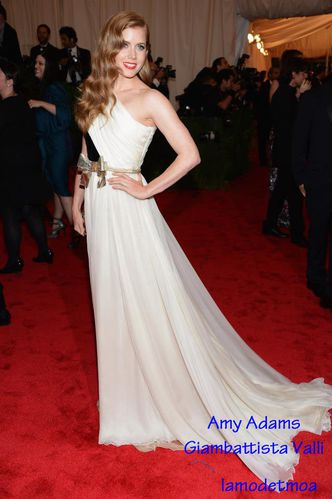 amy-adams-giambattista-valli.jpg