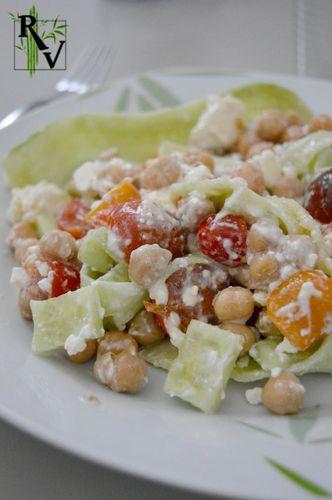 Salade de Concombre, Pois Chiches, Tomate & Feta 1