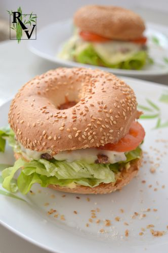 Hamburger-Bagel--2-.JPG