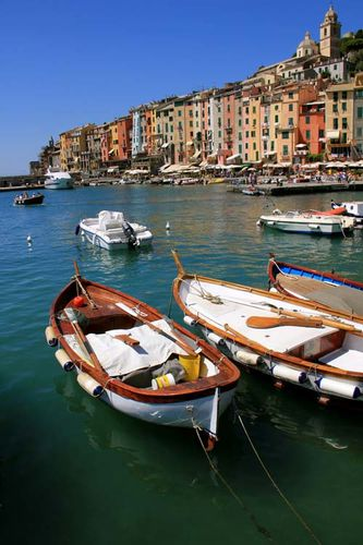 http://img.over-blog.com/333x500/1/58/65/29/Cinque-Terre-Isola-Elba/Cinque-terre-isola-Elba03.jpg