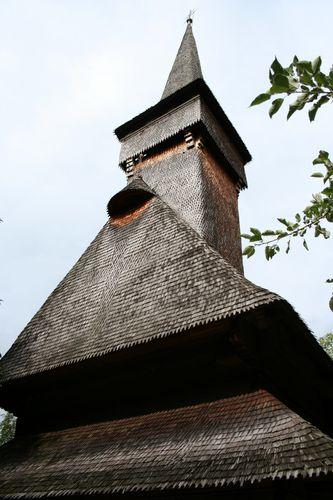 Desesti-biserica-veche 0055