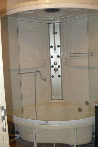 En attendant l 39 auvergne l 39 appartement suite r novation d 39 un - Mettre une douche a la place d une baignoire ...