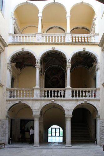 631d2 Barletta, palazzo della Marra